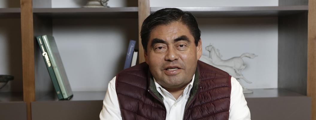 Barbosa se apunta para competir por gubernatura de Puebla