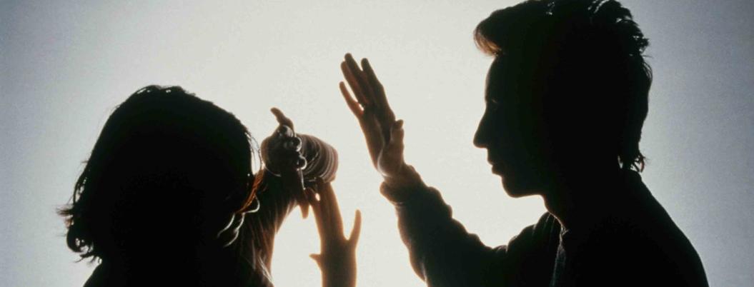 """""""Feminicidio nace de la violencia en el noviazgo"""", advierte activista"""