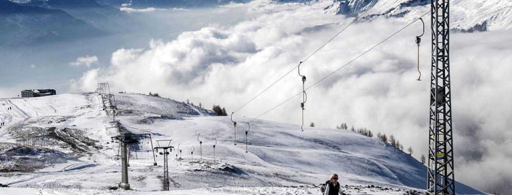Suspende Suiza búsqueda de víctimas tras avalancha en Crans-Montana