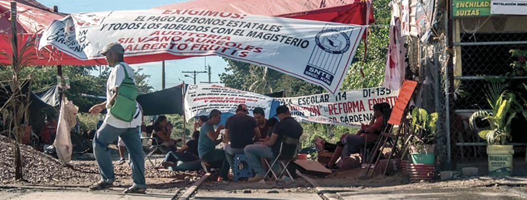 AMLO interpone queja ante CNDH contra CNTE por bloqueos en Michoacán
