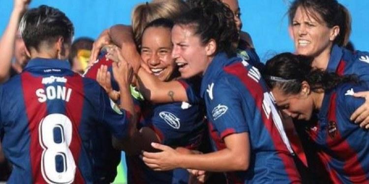 Mexicana marca un gol en el triunfo de la Real Sociedad 1