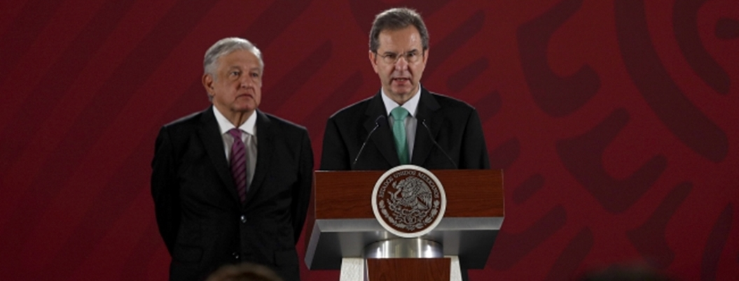 """Hoy nace la nueva escuela mexicana"", afirma Esteban Moctezuma"