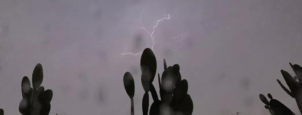 Lluvia, granizo y viento amenazan con llevarse la polución en CDMX