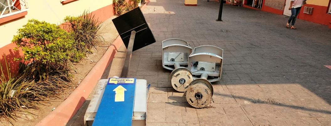 Retiran casetas telefónicas del Andador Zapata en Chilpancingo