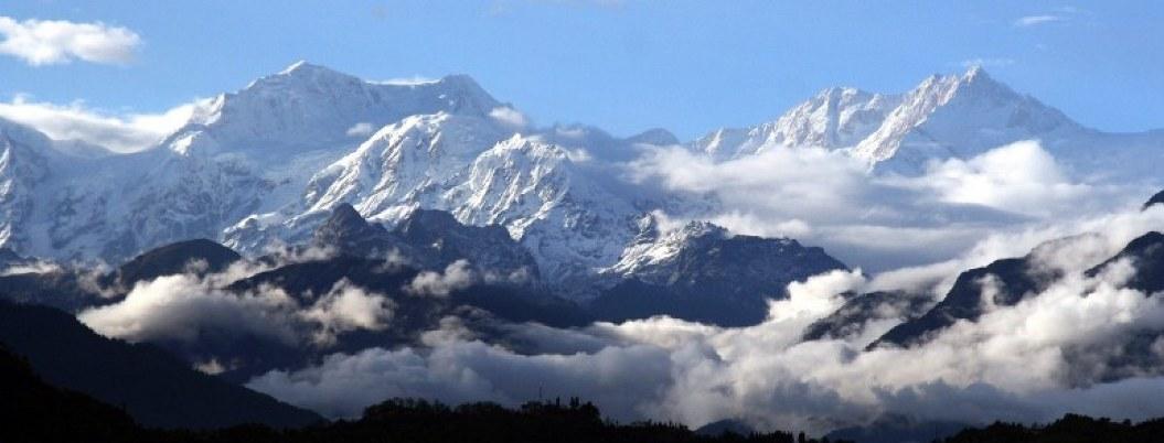 Mueren 2 montañistas Indios en la tercera montaña más alta del mundo
