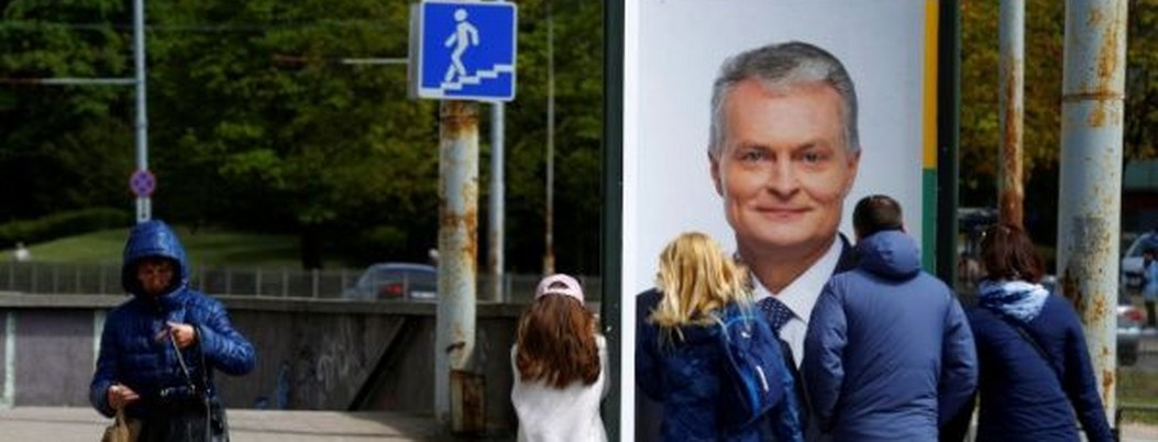 Lituania inicia primera vuelta de elecciones para elegir a su presidente