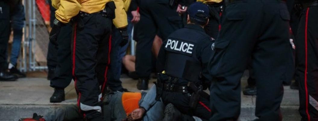 Balacera en festejo por título de Raptors deja dos heridos en Toronto