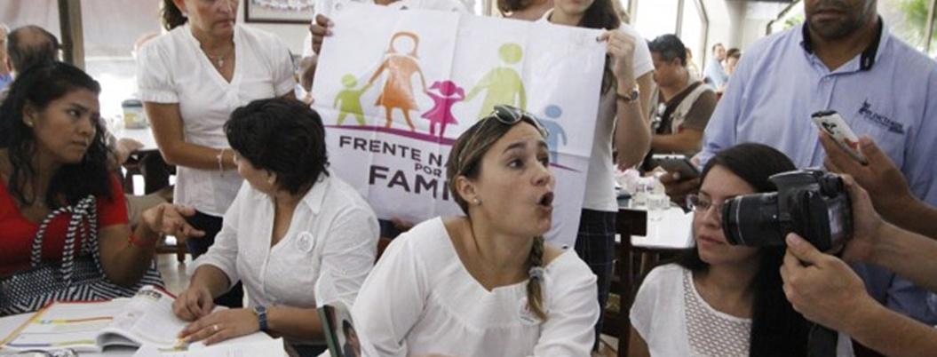 Conservadores se oponen a que SCJN legisle sobre el aborto en Veracruz
