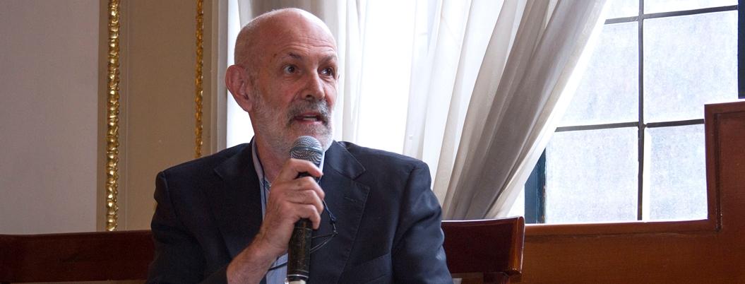 """""""Cultura no debe desatenderse por austeridad"""": Luis de Tavira"""