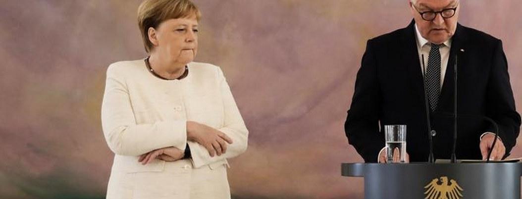 Merkel vuelve a sufrir temblores durante ceremonia oficial