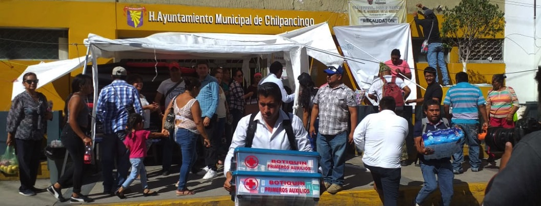 Sindicalizados levantan plantón fuera del ayuntamiento de Chilpancingo