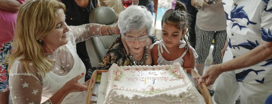 Vivir 102 años: Delia Barrios revela secreto de su longevidad