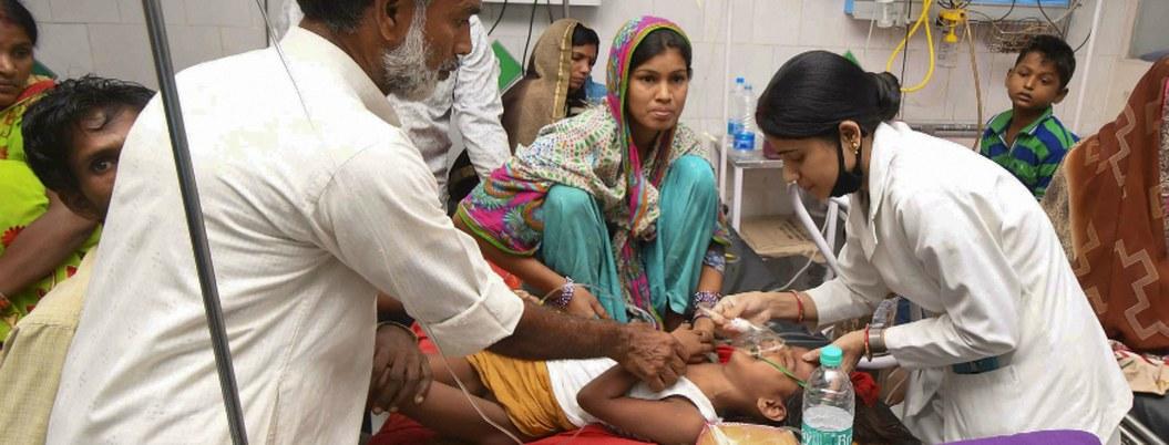 Exigen renuncia de gobernante indio tras muertes por encefalitis aguda