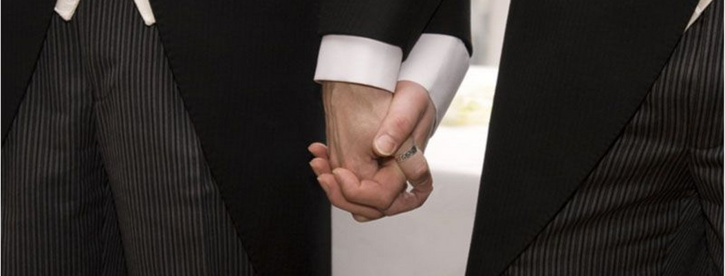 Ecuador aprueba ley de matrimonio igualitario