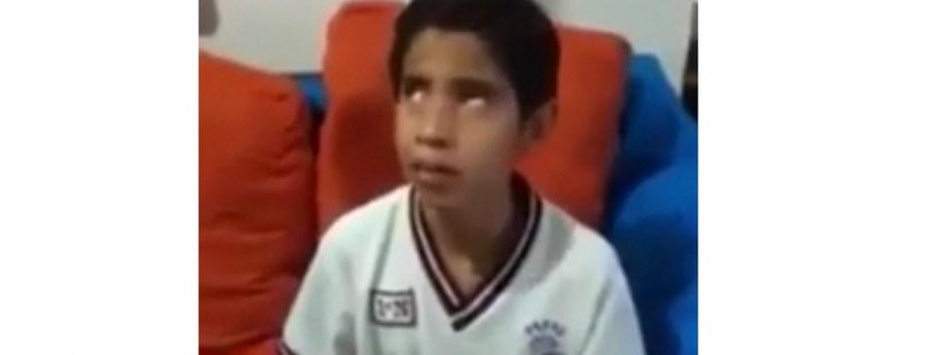 """Me golpean y nadie hace nada"": niño invidente denuncia bullying"
