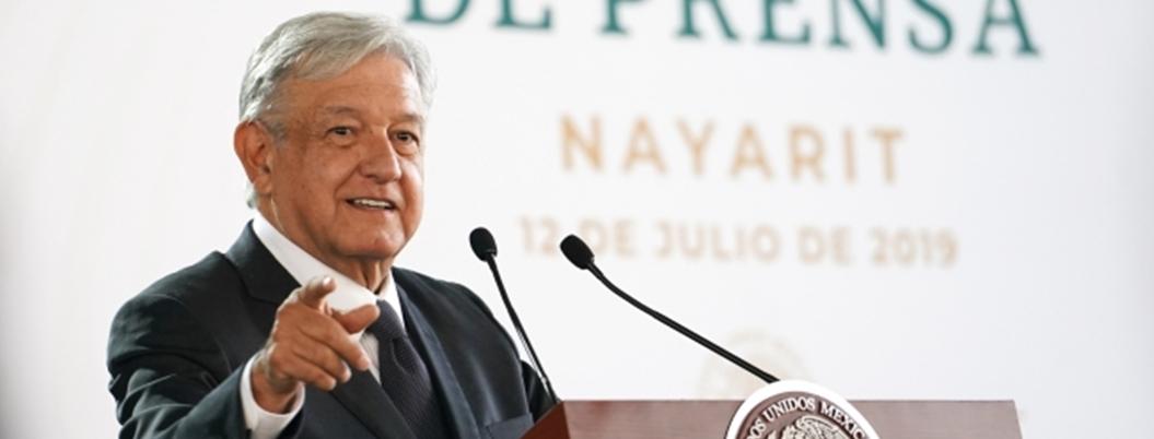 Obrador va por ampliación de matrícula en facultades de medicina