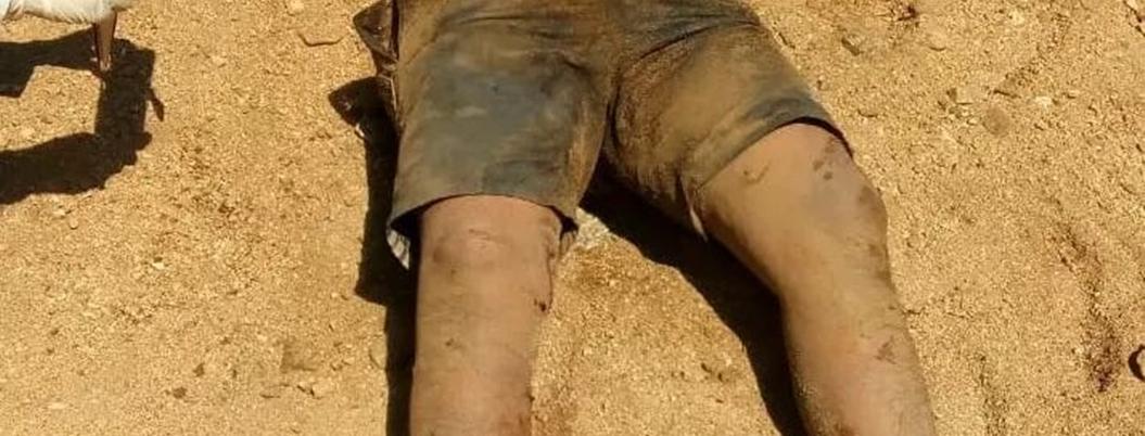 Exhuman a hombre estrangulado de fosa clandestina en Acapulco