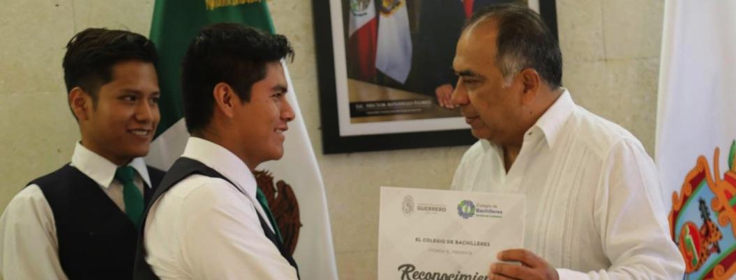 """Astudillo politiza el fertilizante: """"No se entrega en La Montaña"""""""