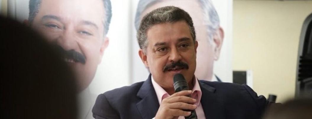 Carlos Lomelí dejó a su chacha al frente de superdelegación en Jalisco