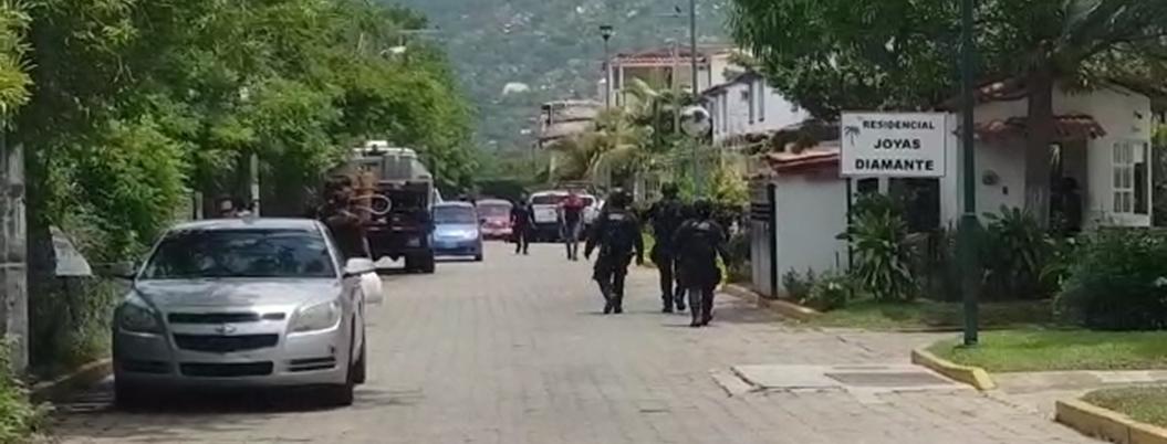 Balacera entre policías y gatilleros deja dos detenidos en Acapulco