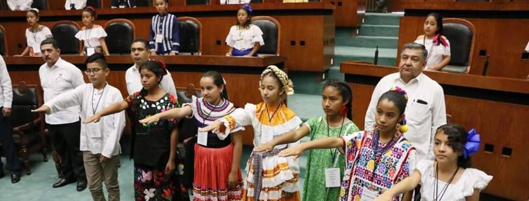 Estudiantes de primaria exigen cuidar el medio ambiente en Guerrero