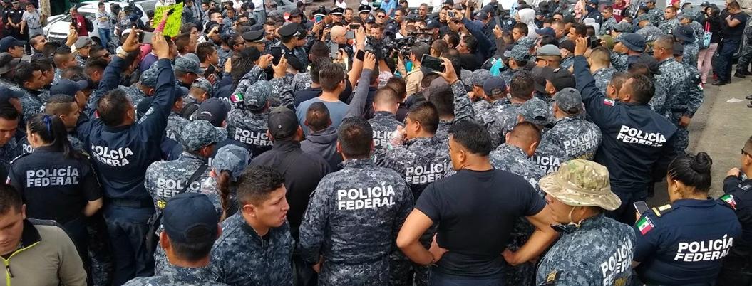 Policías federales represores organizan movimiento social