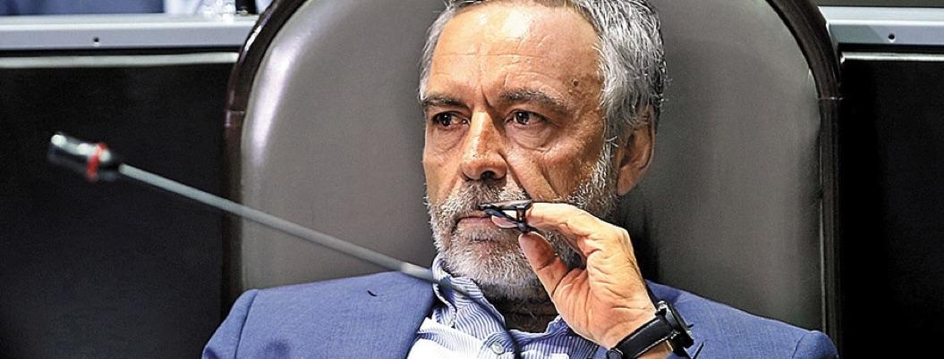 Ramírez Cuellar da espaldarazo a Mario Delgado para dirigir Morena