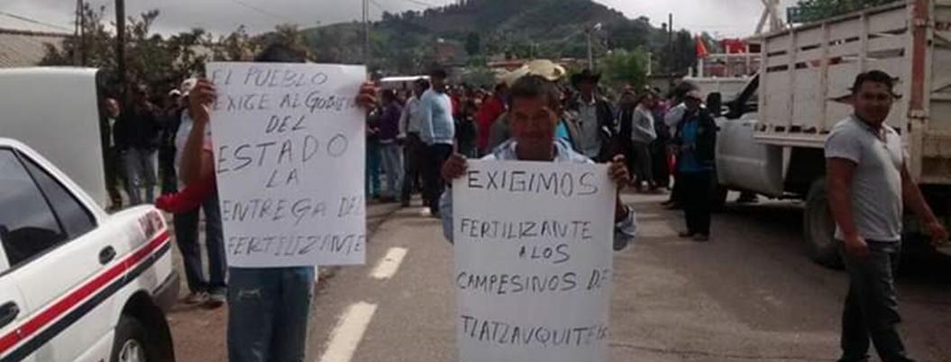Campesinos desbloquean carretera en La Montaña