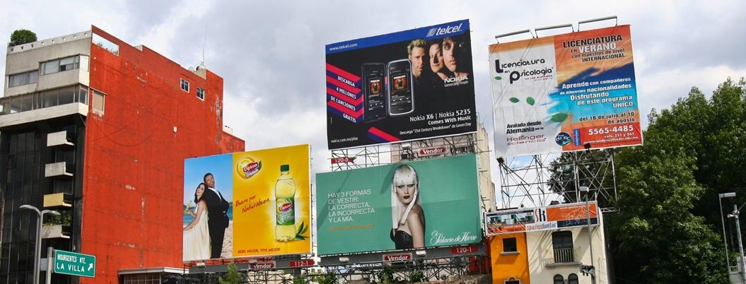 Retiran anuncios espectaculares en alcaldías de la CDMX