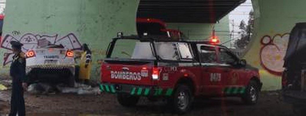 Fallecen 2 policías tras estampar patrulla contra muro en la CDMX