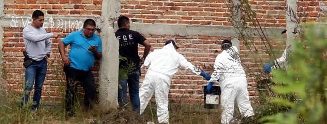 Hallan fosa clandestina con 12 cuerpos en finca de Tonalá