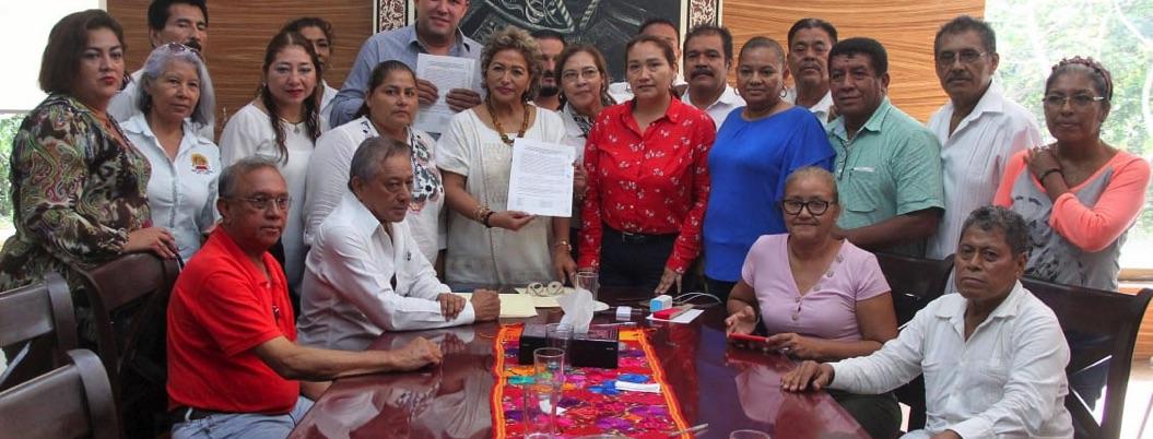 Gobierno de Adela logra acuerdo con trabajadores; se levanta el paro