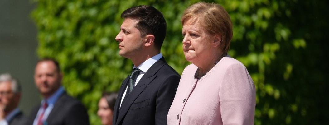 Merkel pide actuar ante incendios en la Amazonía