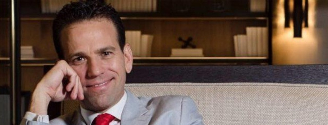 Loret de Mola rompe con Televisa y conservadores culpan a AMLO