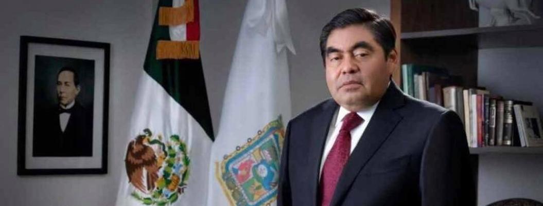 """""""Seré gobernador para todos los poblanos"""": Barbosa al rendir protesta"""
