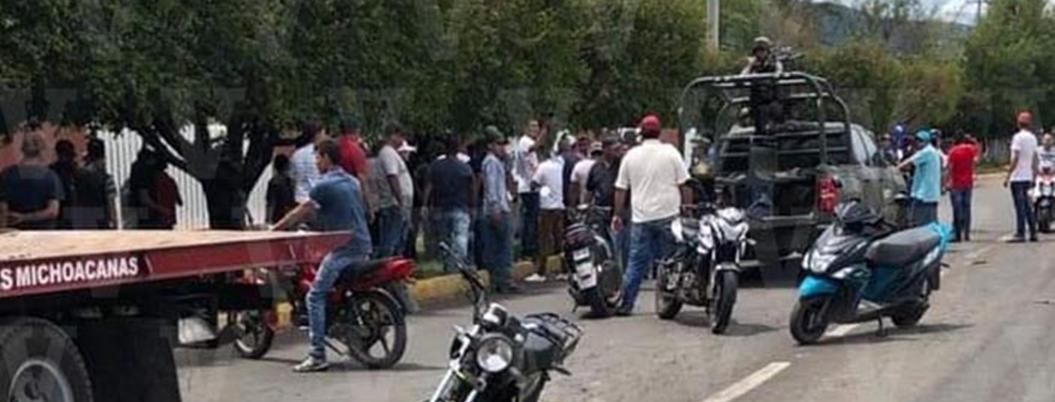 Pueblo no aprende: agreden a militares y liberan a criminal en Michoacán