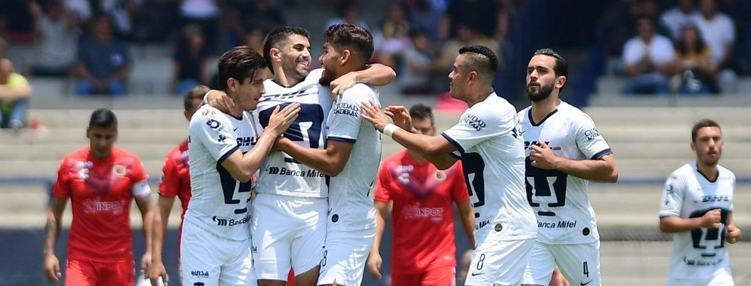 Pumas aprovecha debilidad de Veracruz; lo derrota 2 a 0