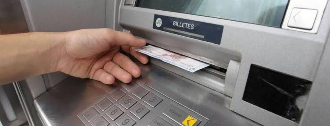 Usuarios se ponen de malas por falla en servicios de bancos