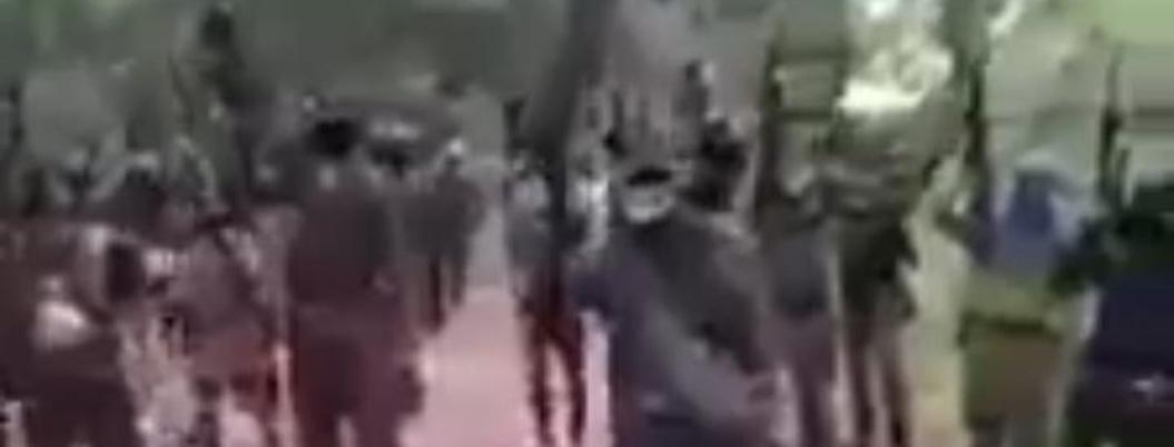 Ejército de sicarios anuncia con narcovideo enfrentamientos en Petatlán