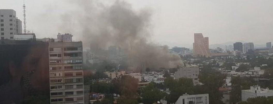 Causa alarma fuerte incendio en un negocio de Polanco en la CDMX