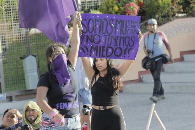 Marchan por destitución de la secretaria de la mujer en Guerrero 3