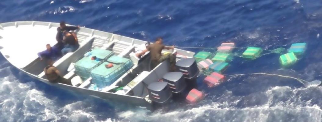 Marina asegura lancha con una tonelada de cocaína abordo en Chiapas