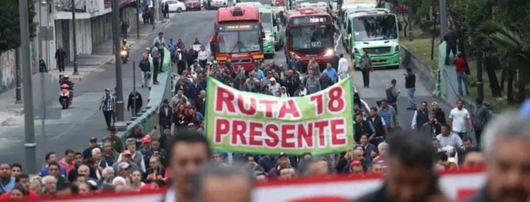 Conductores de Metrobús se suman a protesta de transportistas en CDMX