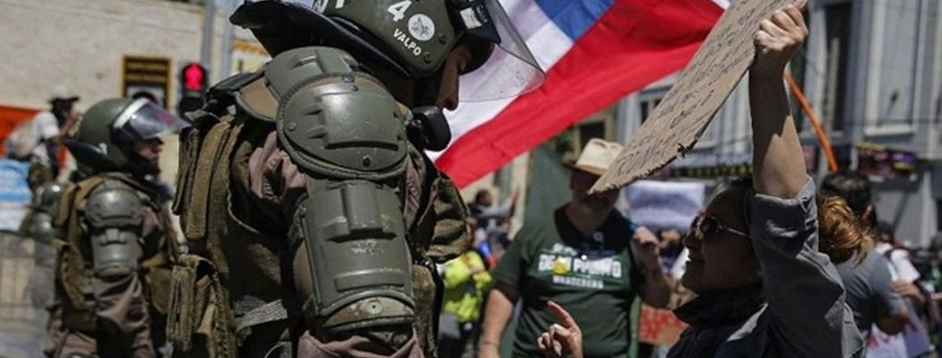 Piñera tiene encarcelados a 3 mil manifestantes chilenos