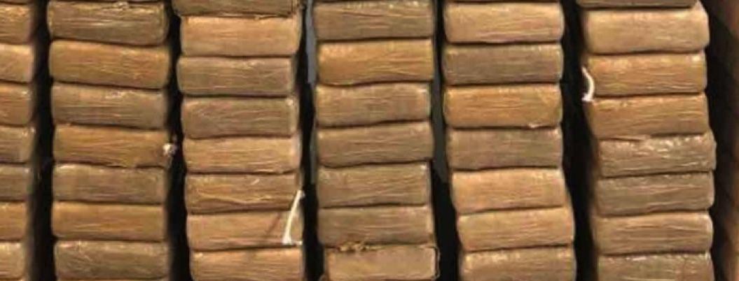Policías federales aseguran 74 kilos de cocaína en Tabasco