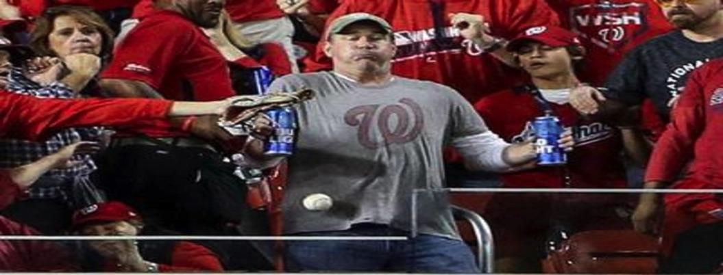 Hombre prefiere pelotazo a soltar sus cervezas; se hace famoso