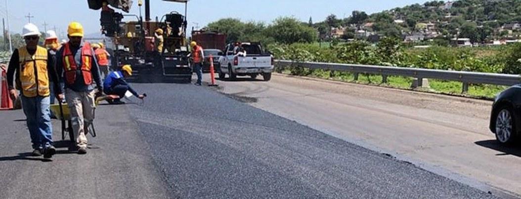 Construyen en México primera carretera hecha de plástico reciclado
