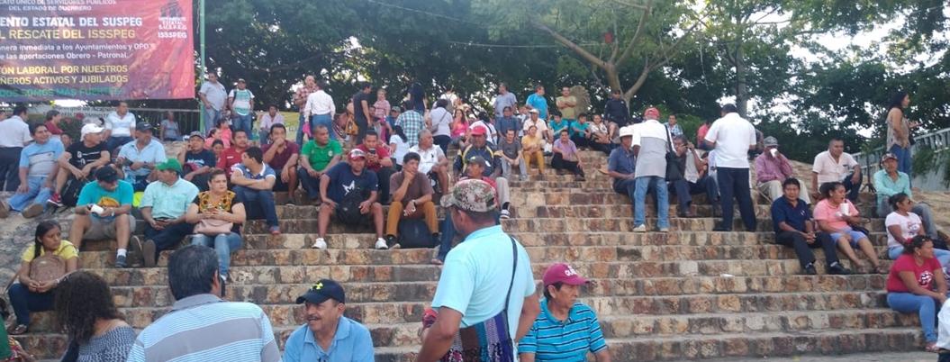 SUSPEG toma Ayuntamiento en Acapulco; exigen pago de deudas