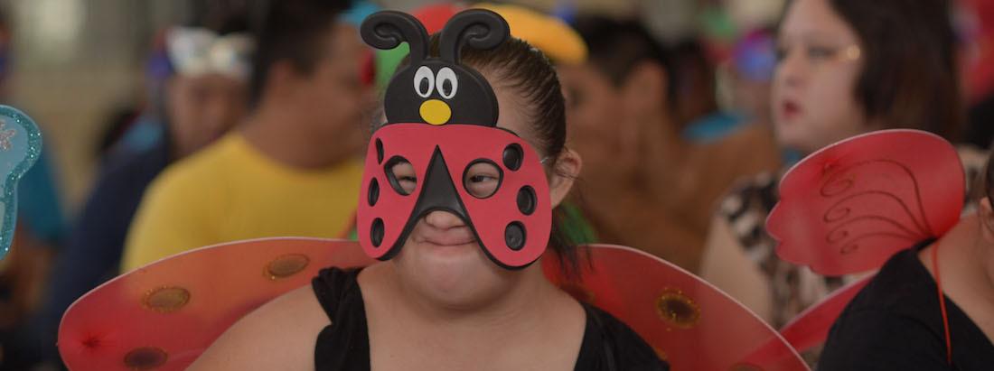 Destituyen a maestra por discriminar a niña con Síndrome de Down