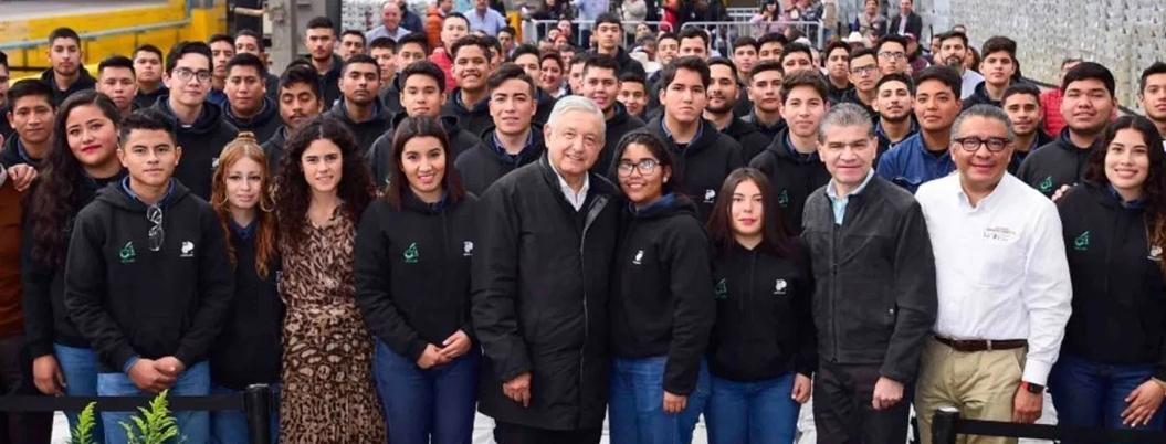 """""""Becas alejan del crimen a los jóvenes"""", expresa Andrés Manuel"""